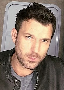 Wil Traval (cropped).jpg