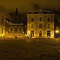 Willem van Oranje bij nacht - Den Haag (8152977266).jpg