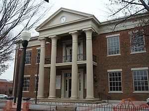Williamson County, Tennessee - Image: Williamson county tennessee courthouse 2009