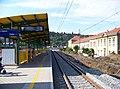 Zastávka Praha-Podbaba, 2014-09-07, nástupiště, pohled k Babě.jpg
