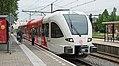 Zevenaar Arriva 372 naar Arnhem (9178628724).jpg