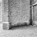 Zuidelijke ingang oostzijde gevolgen van ontbreken van goot - Utrecht - 20234350 - RCE.jpg