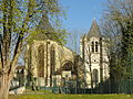 Écouen (95), église Saint-Acceul, vue depuis l'est 1.JPG