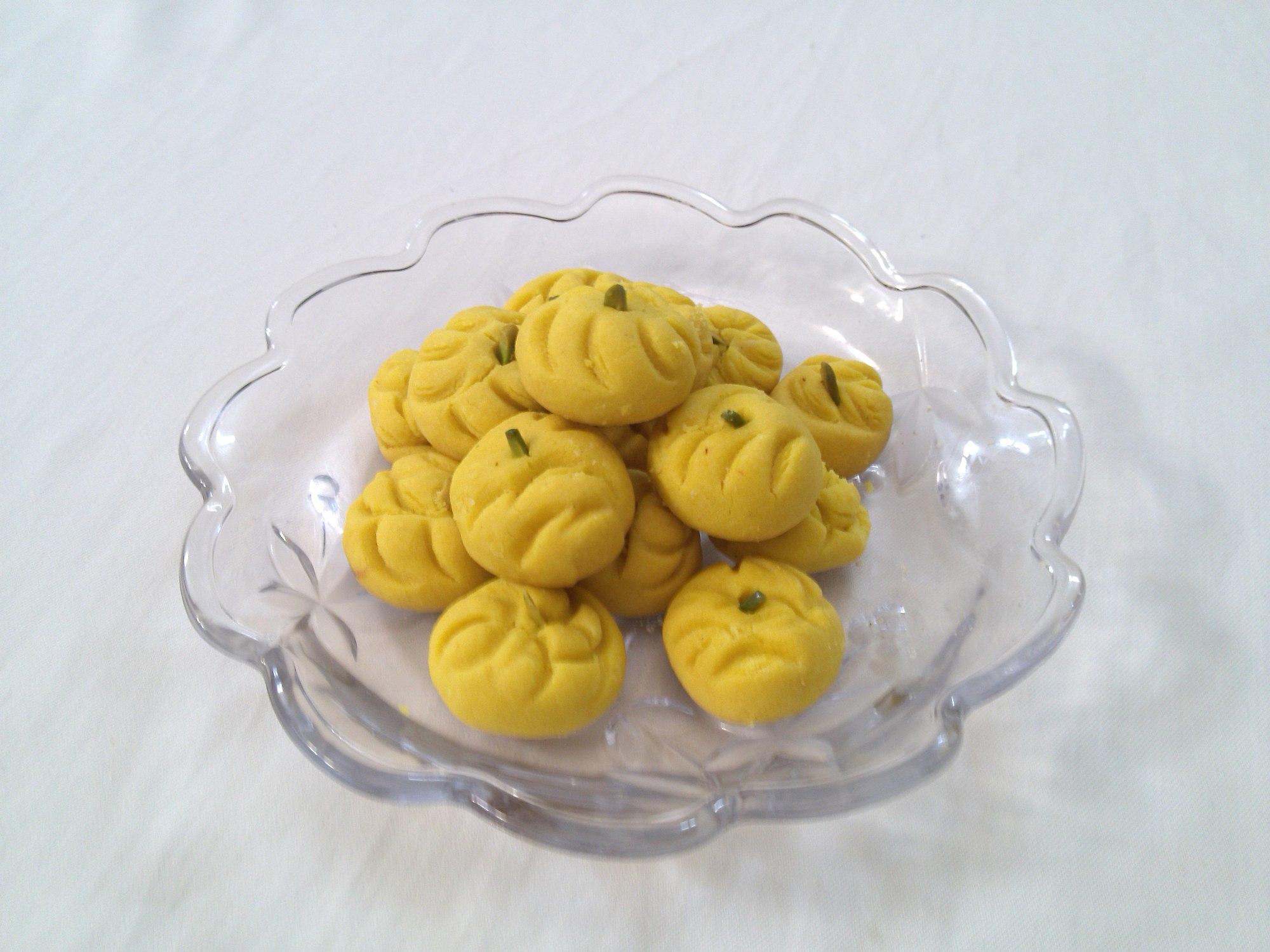 فهرست انواع شیرینیهای ایرانی