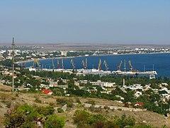 Вид на Феодосійський порт з Тепе-Оба