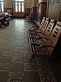 Зала очікування Жмеринського вокзалу (на підлозі збережені оригінальні кахлі).JPG