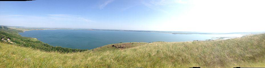 Панорамный вид оз. Аслыкуль.jpg