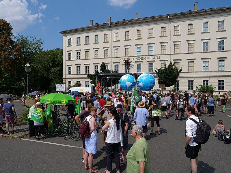 """File:""""Kohle Stoppen!"""" demonstration in Leipzig 2018 04.jpg"""
