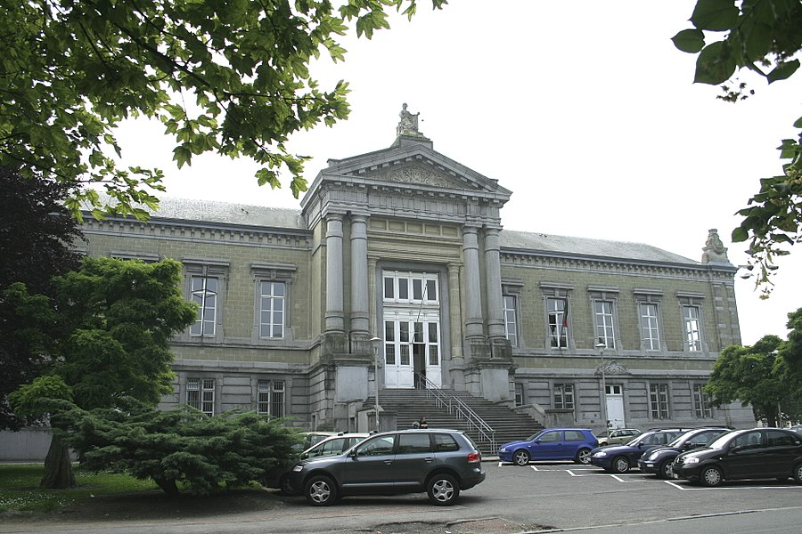 Tournai  (Belgium), rue de la Justice. – The courthouse.