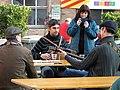 042 Fabra i Coats, mostra Som Cultura Popular, grup de música a l'esplanada.jpg