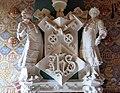 119 Casa Domènech i Montaner (Canet de Mar), escut sobre la llar de foc.JPG