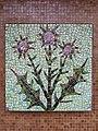 1210 Autokaderstraße 3-7 Tomaschekstraße 44 Stg 7 - Mosaik-Hauszeichen Distel von Leopold Birstinger 1968 IMG 0895.jpg