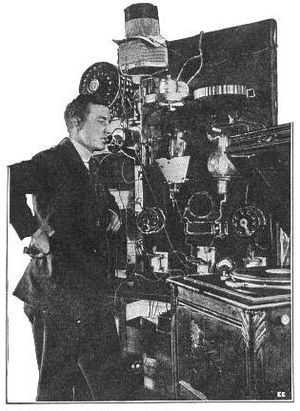 Radio 2XG - Image: 1916 Charles Logwood at radio station 2XG