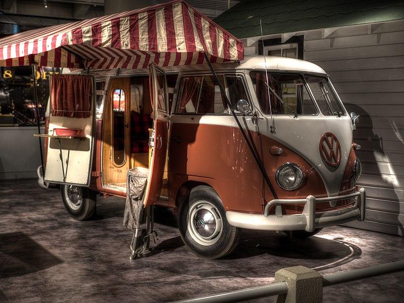 1959 Volkswagen Westfalia Camper.jpg