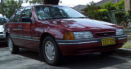 1993-1994 Ford ED Falcon GLi sedan 02.jpg