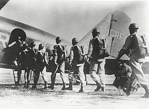 1st Parachute Battalion (Australia) - Soldiers from the 1st Parachute Battalion boarding a DC-2 in 1944.