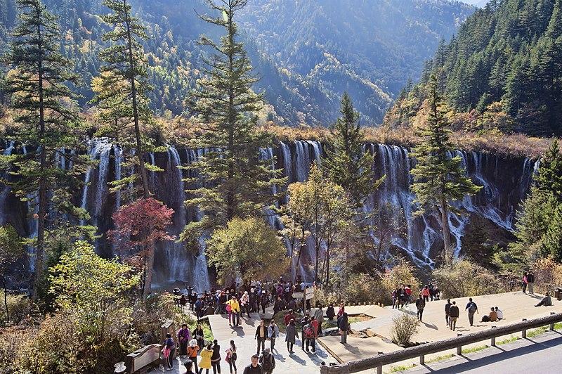 File:1 jiuzhaigou valley nuorilang falls 2011.jpg
