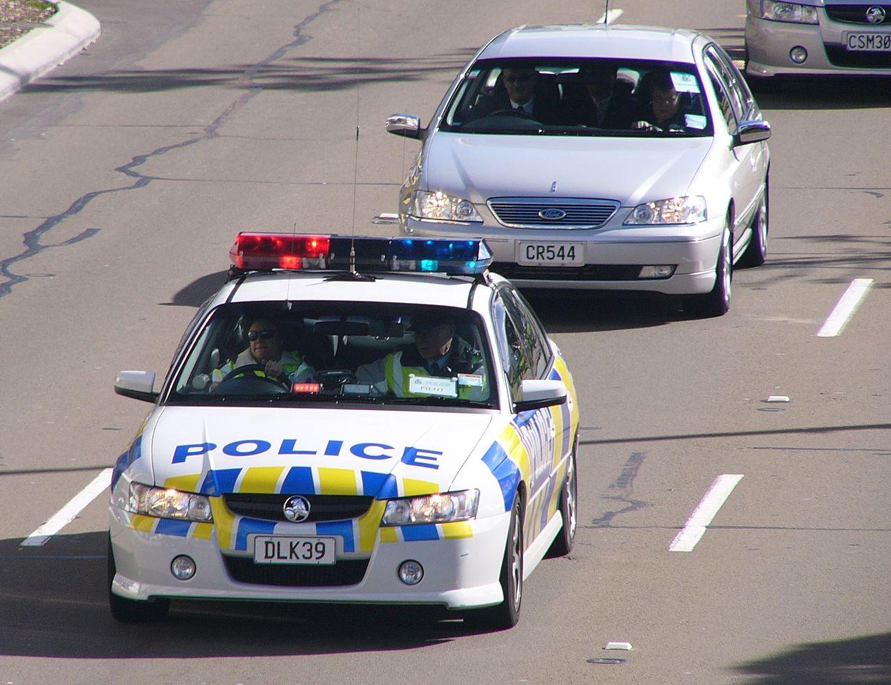 File20042006 Holden VZ Commodore SV6 sedan New Zealand Police