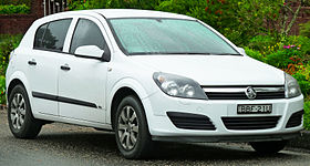 2004-2007 Holden Astra (AH) CD 5-door hatchback (2011-11-17).jpg