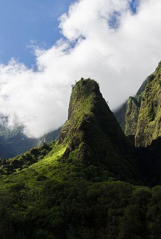 Iao Valley - Image: 2011 Oct 01 Iao Needle (Crop)