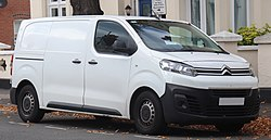 2016 Citroen Dispatch 1000 BlueHDi X S 1.6 Front.jpg