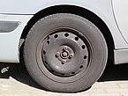 2017-09-28 (392) Kléber Dynaxer HP3 185-65 R 15 88 T tire at Bahnhof Stockerau.jpg