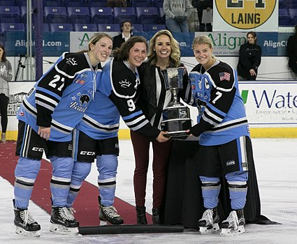 2017 Isobel Cup captains.jpg