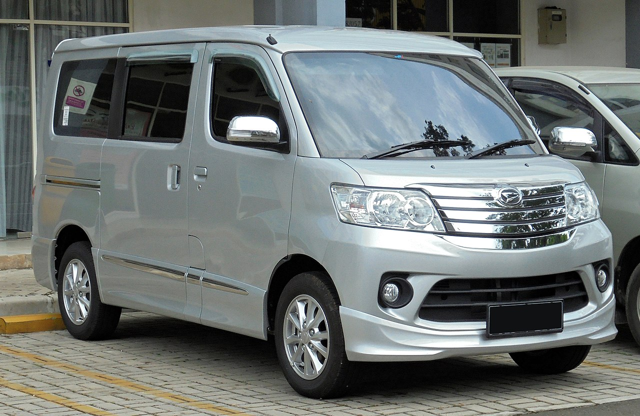 File:2019 Daihatsu Luxio 1.5 X van (S402RG; 01-20-2019 ...