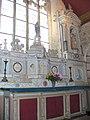 4689.Altar mit Darstellungen des Heiligen Saint Gonéry und seiner Mutter, Sainte-Eliboubane. Chapelle Saint-Gonéry - Plougrescant- Côtes-d'Armor - Bretagne - Steffen Heilfort.JPG