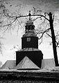 4918bwm Kościół w Brzezince - odbicie w kałuży. Foto Barbara Maliszewska.jpg