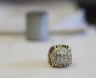 San Francisco 49ers - The 49ers ring for Super Bowl XXIX