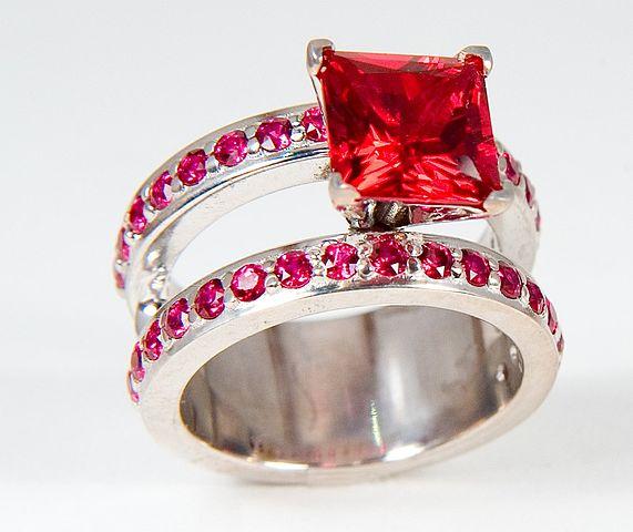 Prsteň s rubínmi