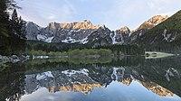 Alba al lago Superiore Fusine.jpg