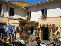 Albergue de peregrinos de Mansilla de las Mulas (1402775066).jpg