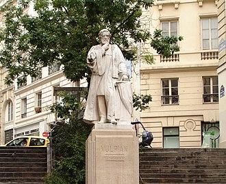 Alfred Vulpian - Vulpian's monument in Rue Antoine Dubois, Paris