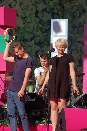 Wonky pop - Alphabeat are a wonky pop band.