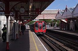 Amersham station MMB 32 S Stock