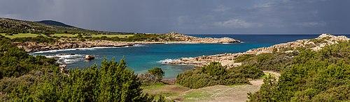 Бухта Амфитеатр на побережье полуострова Акамас (Кипр)
