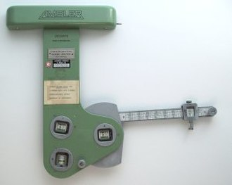 Locating the center of mass - Image: Amsler integrometer front