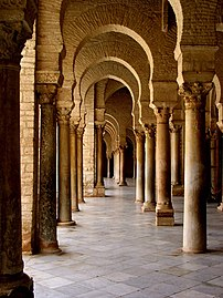 Ancient Roman columns in the Great Mosque of Kairouan.jpg