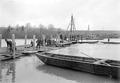 Anheben der Arbeitsbrücke wegen Hochwasser - CH-BAR - 3239216.tif