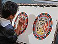 Apprenti Peintre de Thanka (Bhaktapur, Népal) (8531738177).jpg