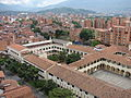 Arquitectura típica de Medellín.jpg