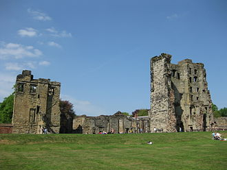Theophilus Hastings, 7th Earl of Huntingdon - Ruins of Ashby de la Zouch castle; Kitchen Tower (l), Great Tower (r)