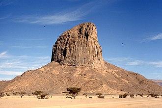Neck vulcanico di basalto colonnare (Hoggar)