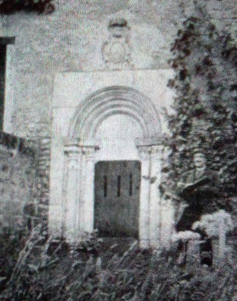 File:Aubevoye - Bethléem - entrée de la crypte - 1896.jpg