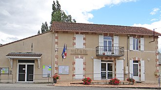 Auradou - The town hall in Auradou