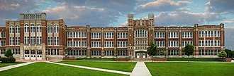 Austin High School (Minnesota) - Austin High School. Shown here is the 1919 building and the main entrance to the 1939 addition, which continues to the left.