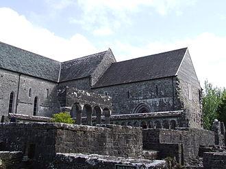 Ballintubber Abbey - Image: Ballintubber Abbey cloisters