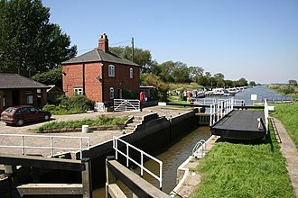 Bardney - Bardney lock, where old and new courses of the Witham meet.